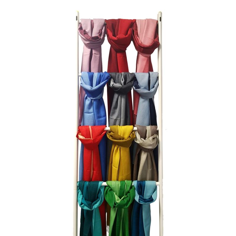 bcaf1dbca54c4 Schal mit farbigem Verlauf 70% Wolle   30% Seide - ca. 180 50 cm
